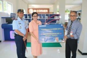 BI Corner Lengkapi Perpustakaan SMK Penerbangan
