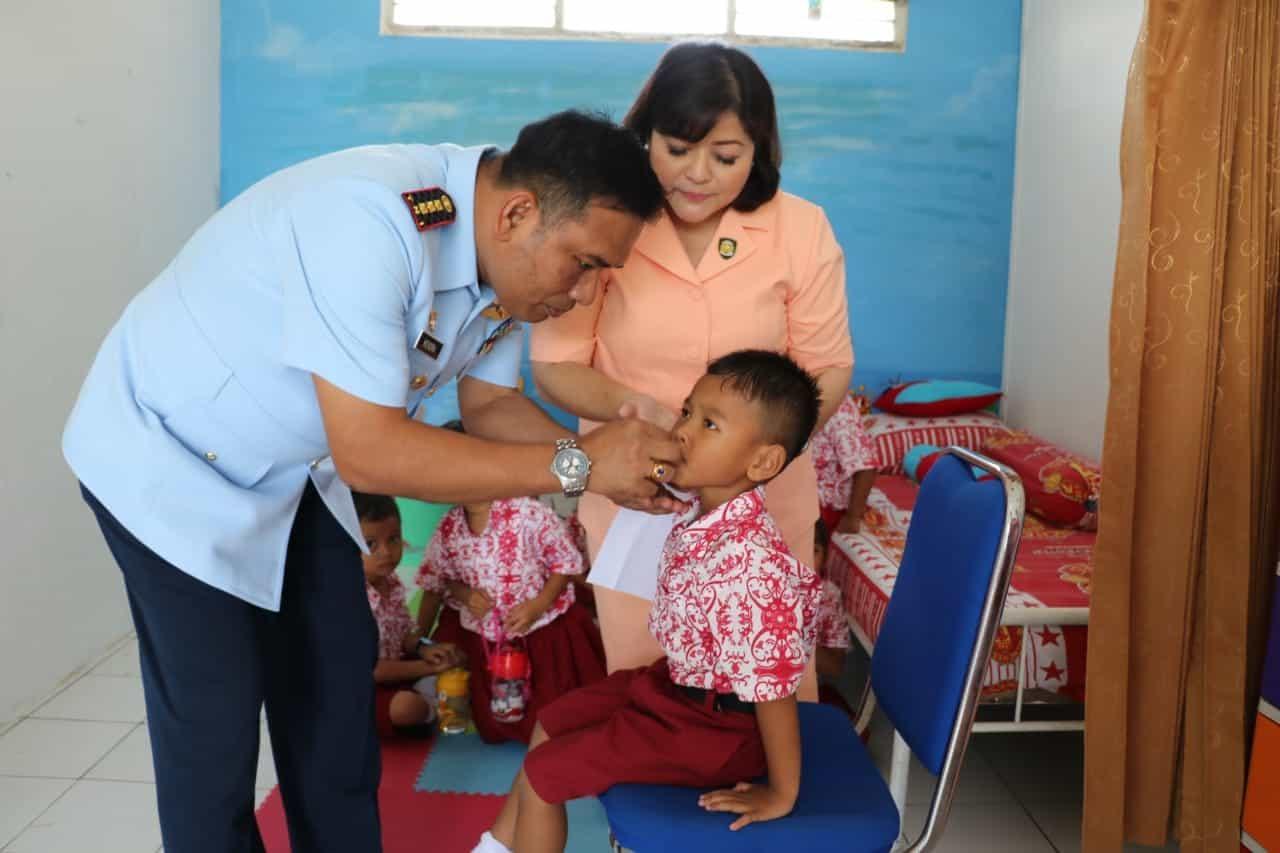 Pemberian Vitamin A untuk Balita dan Anak TK Angkasa di Lanud Dhomber