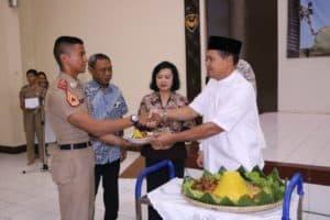 Gubernur AAU Gelar Doa Bersama Jelang Penerjunan