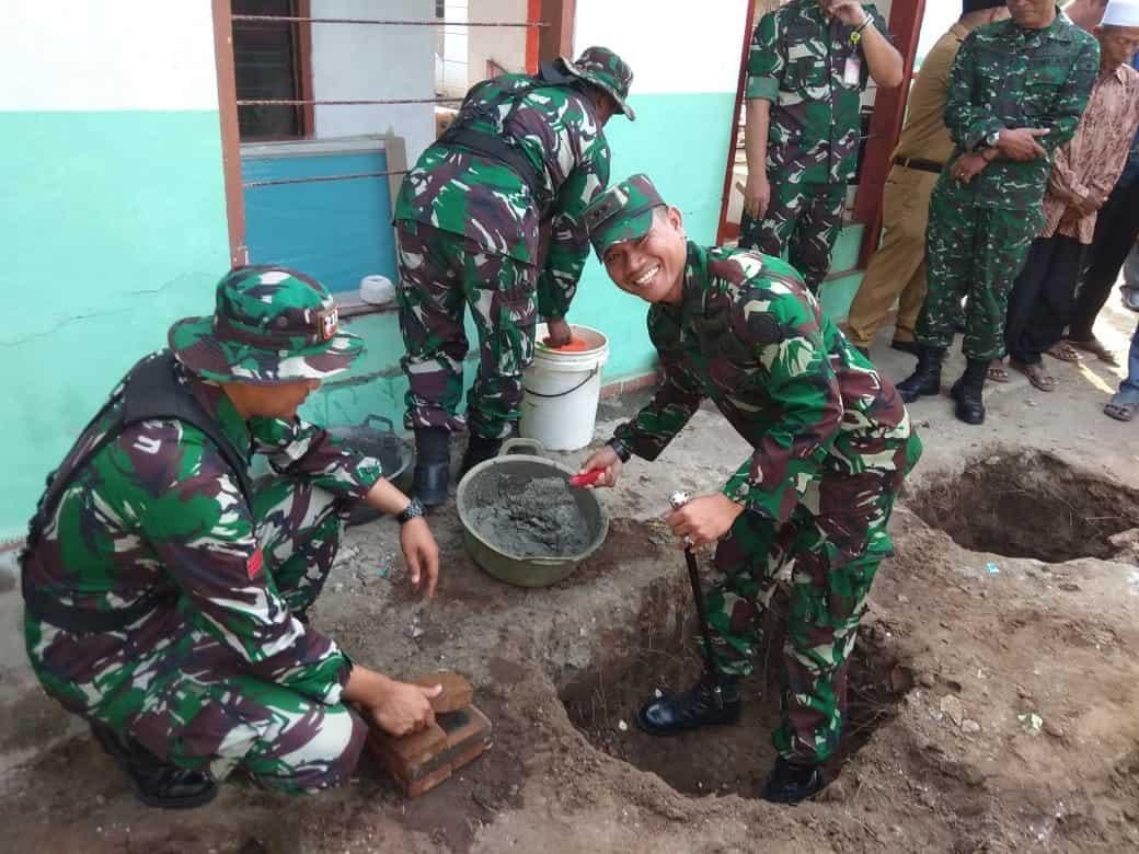 PEMBUKAAN KARYA BAKTI TNI KE SATRAD 211 TANJUNG KAIT