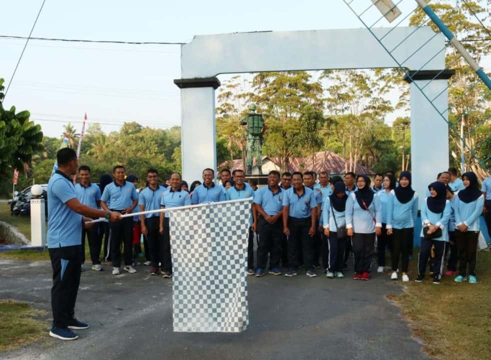 Olahraga Bersama, Jalin Erat Silaturahmi Keluarga Besar Lanud Iskandar