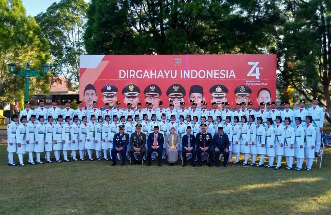 Komandan Lanud Iskandar Hadiri Acara Pengukuhan Paskibraka Kabupaten Kotawaringin Barat