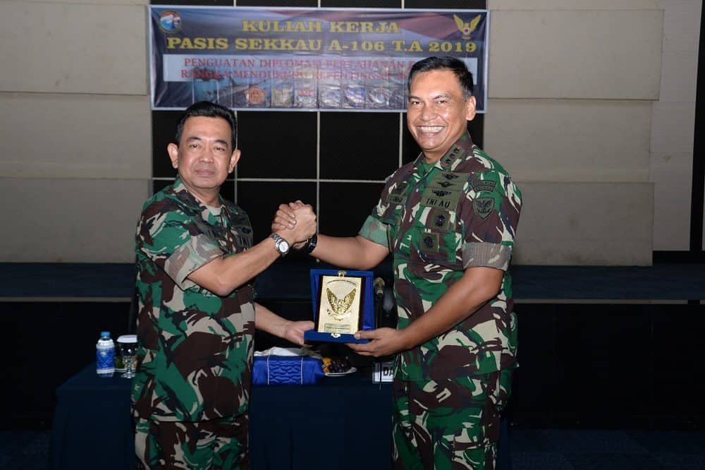 Sekkau Jadi Tamu Kehormatan di Puskersin TNI dan Mabesau