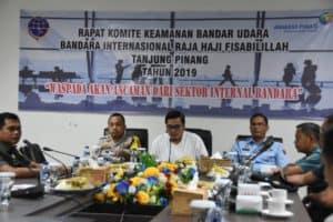 Danlanud Rhf Hadiri Rapat Komite Keamanan Bandara Ke-ii Tahun 2019 Di Bandara Rhf Tanjungpinang