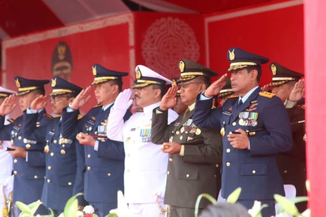 Pangkoopsau III Ikuti Upacara Detik-detik Proklamasi di Lapangan Cendrawasih Biak