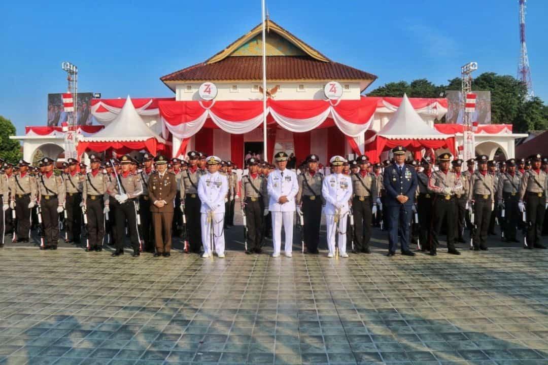 Danlanud RHF Hadiri Upacara Penurunan Bendera Merah Putih HUT ke-74 di Gedung Daerah Provinsi Kepulauan Riau