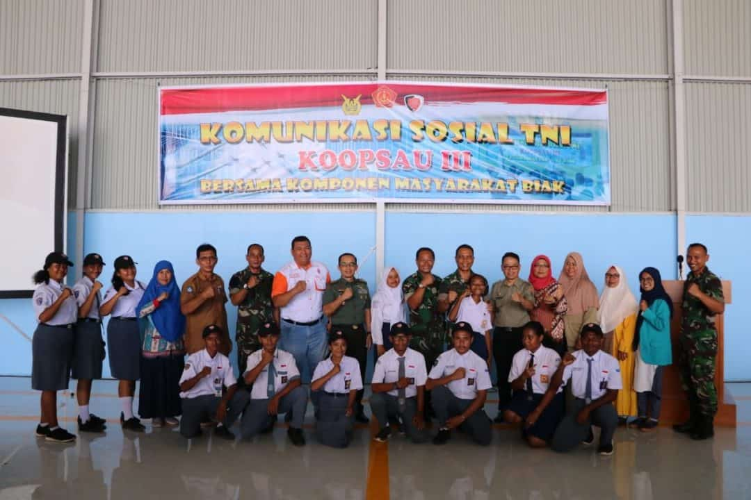 Koopsau III Gelar Komsos Wujudkan Kemanunggalan TNI Dengan Rakyat