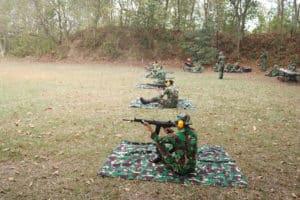 Latihan Menembak di Lanud BNY
