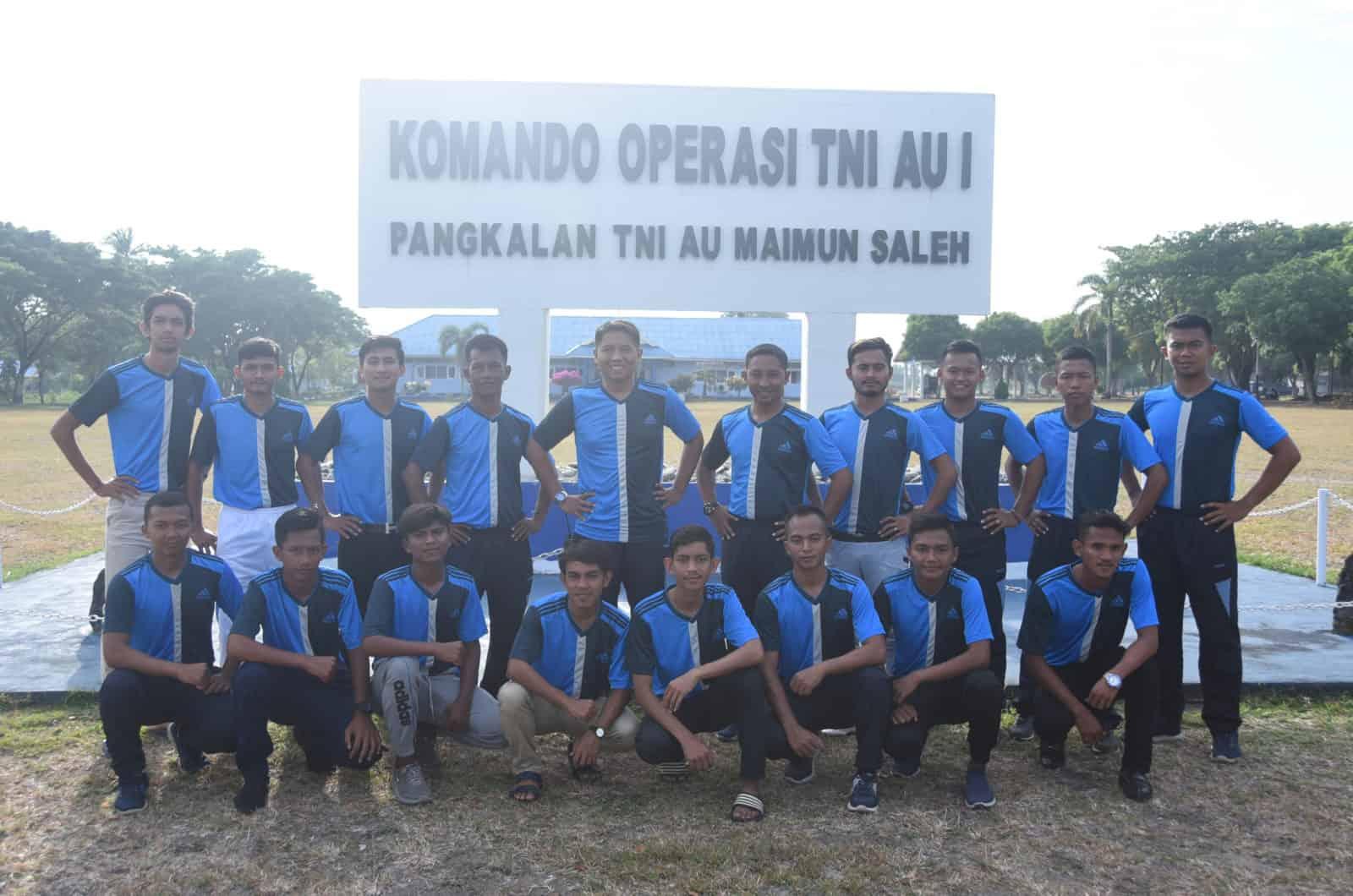 Komandan Lanud Maimun Saleh Melepas Team Sepak Bola Angkasa FC