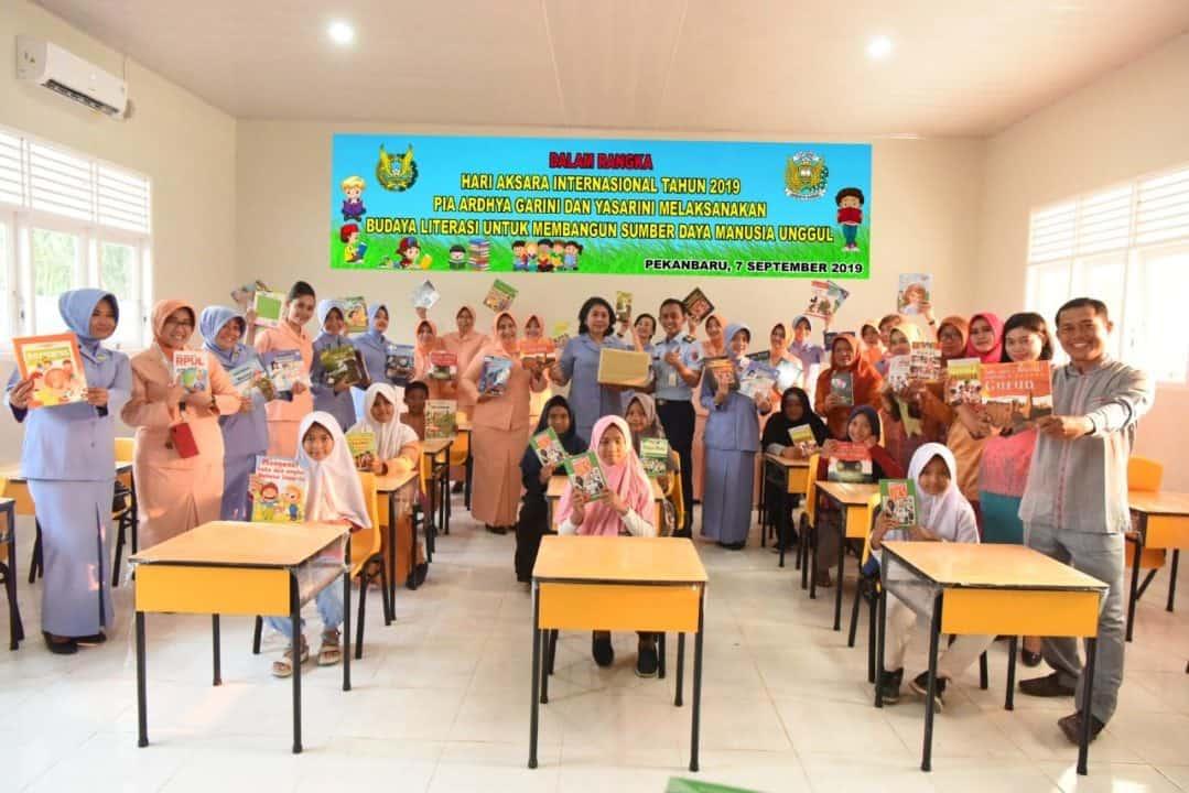 Ny.Irenne Moningka, Budaya Literasi Jamin SDM Yang Unggul