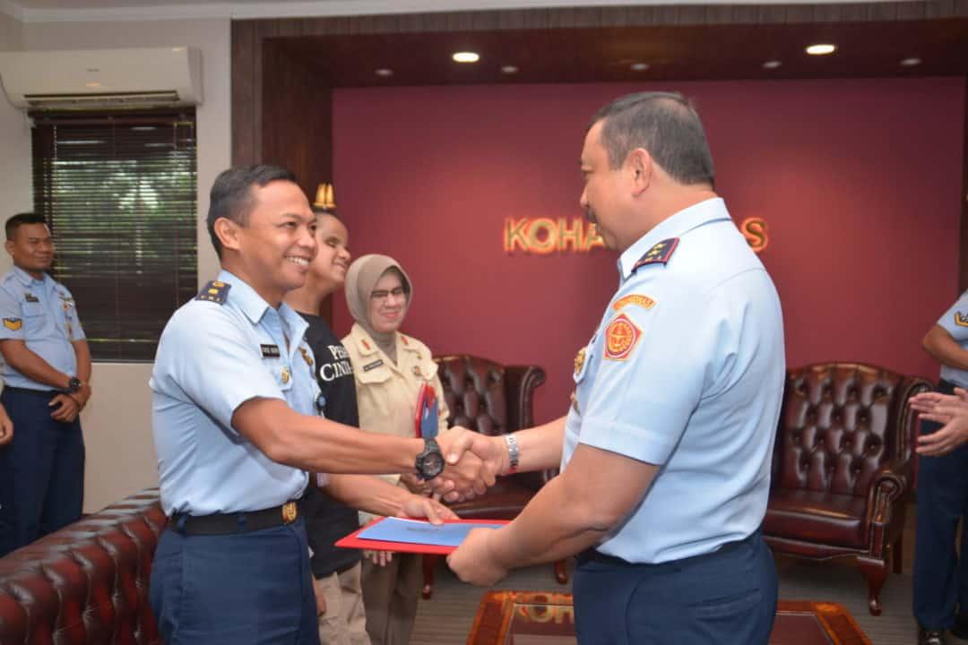 PENYERAHAN PIAGAM PENGHARGAAN LOMBA MTQ TINGKAT TNI AU