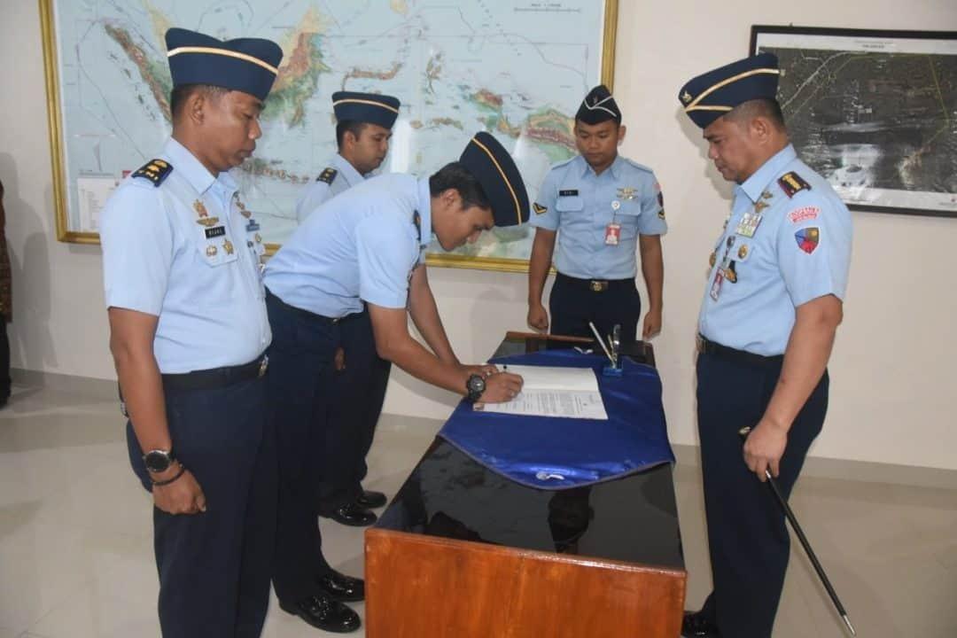 Penandatangan Pakta Integritas Rekrutmen Casis Tamtama Gelombang II Tahun 2019 di Lanud Haluoleo