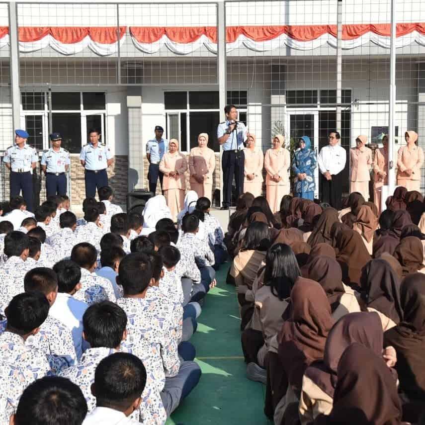 Danlanud Husein S. Bekali Pelajar SMA/SMK Angkasa Tetang Bela Negara