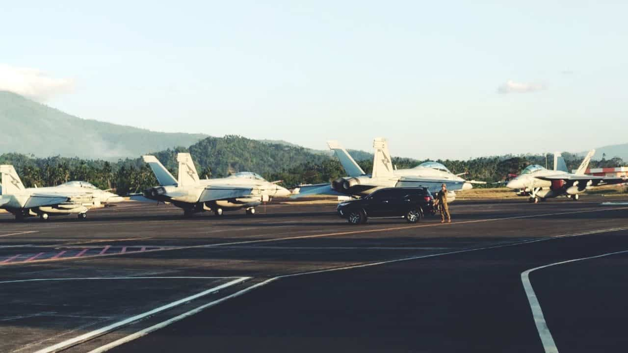 Latma Elang Ausindo 2019: F16 TNI AU dan F18 RAAF Tiba di Manado.