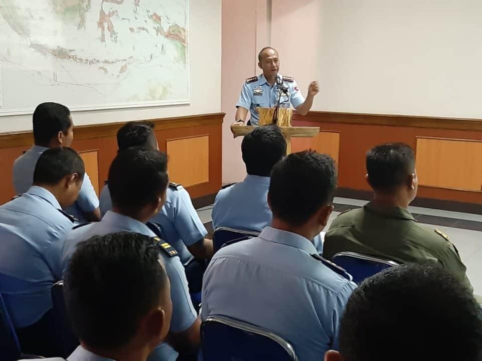 Pelaksanaan Safety Meeting Lanud Atang Sendjaja Dipimpin oleh Komandan Wing 4 Dalam Rangka Mencapai Safety Cultrue yang Optimal