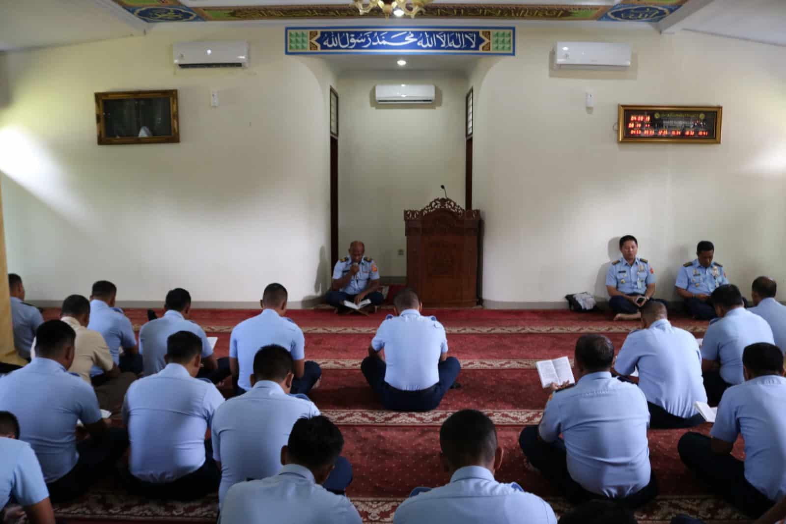Kegiatan Bintal Kosekhanudnas III Memakmurkan Masjid