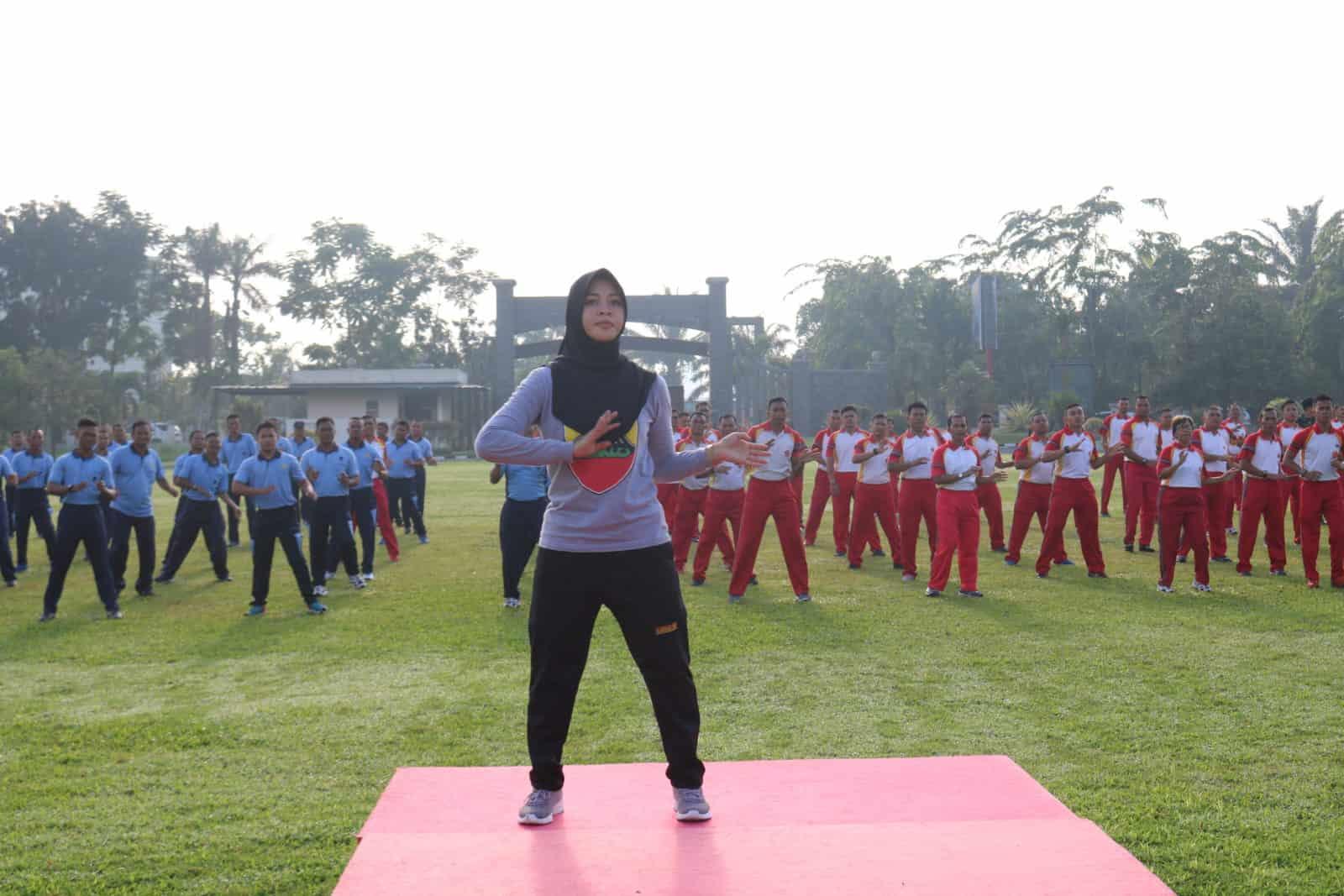Personel TNI Angkatan Udara Medan Mengikuti Latihan Tarian Kolosal Kodam I/BB