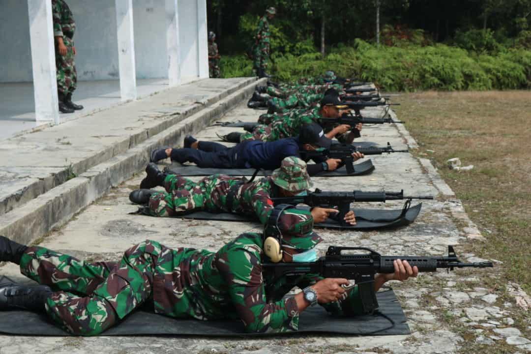 Lanud Iskandar Laksanakan Latihan Menembak Untuk meningkatkan profesional seorang Prajurit
