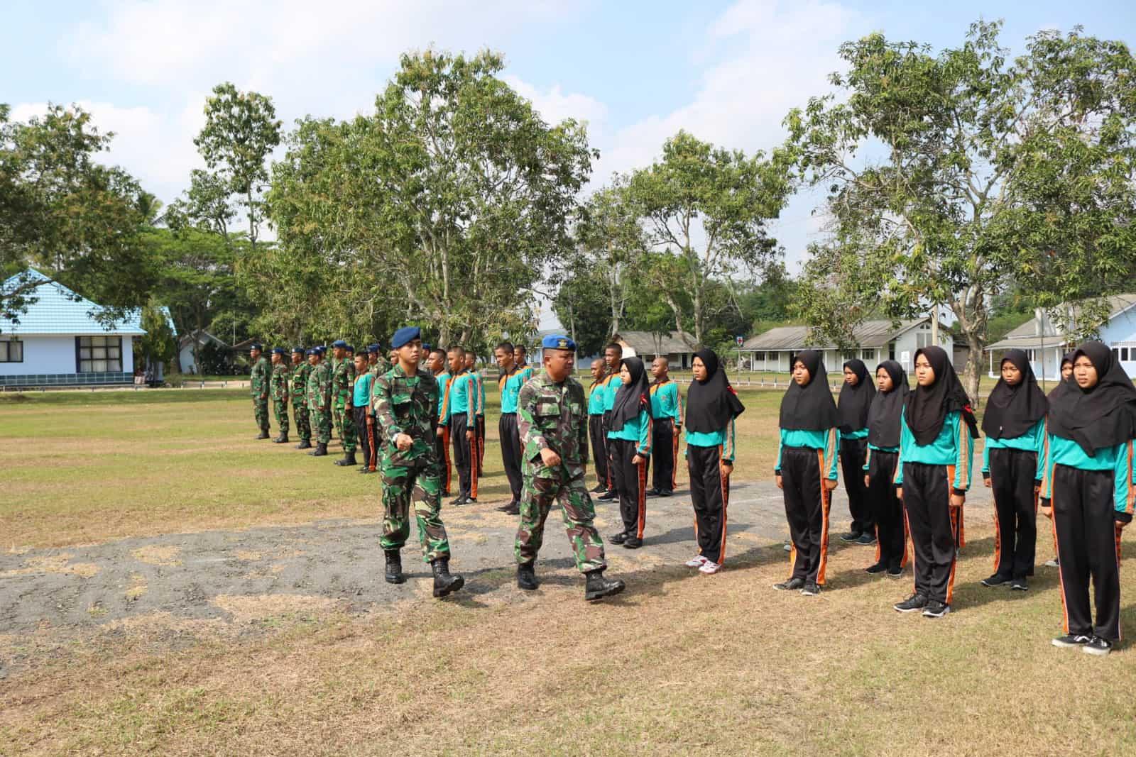 Pelatihan Bela Negara SMKP Raden Intan di Lanud BNY