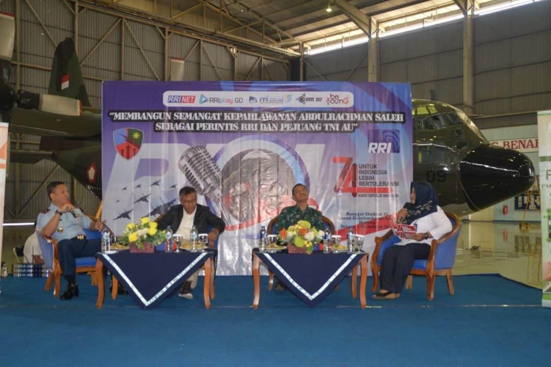 Talk Show RRI Stasiun Malang di Hanggar Skadron Udara 32 Lanud Abdulrachman Saleh