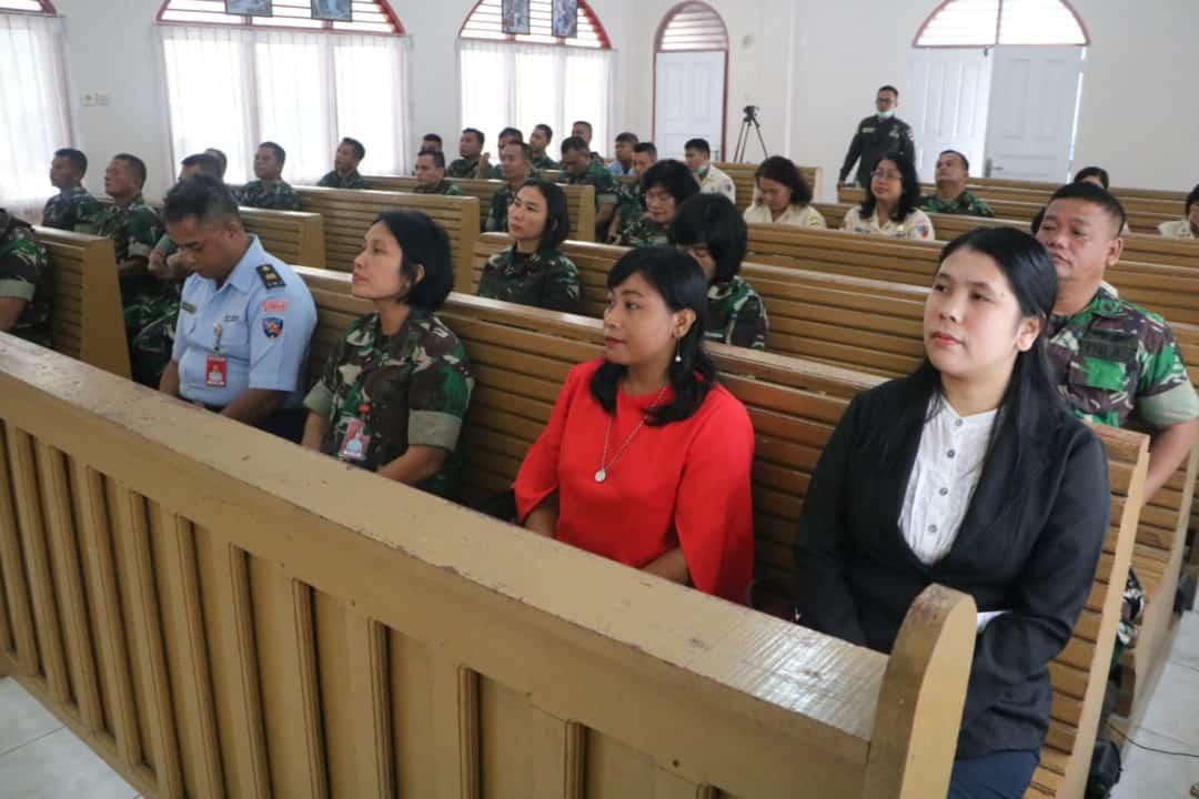 Umat Kristiani TNI Lakukan Doa Bersama Meminta Hujan