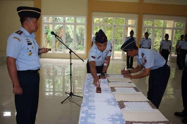 PENANDATANGANAN PAKTA INTEGRITAS SELEKSI PENERIMAAN CATAM TNI AU GEL. II TAHUN 2019 DI LANUD J.B. SOEDIRMAN