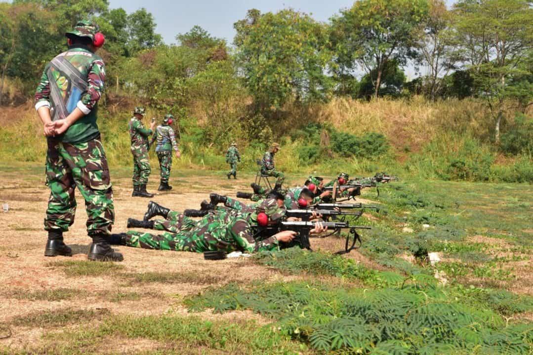 Asah Kemampuan, Prajurit Lanud Halim Perdanakusuma Ikuti Latihan Menembak