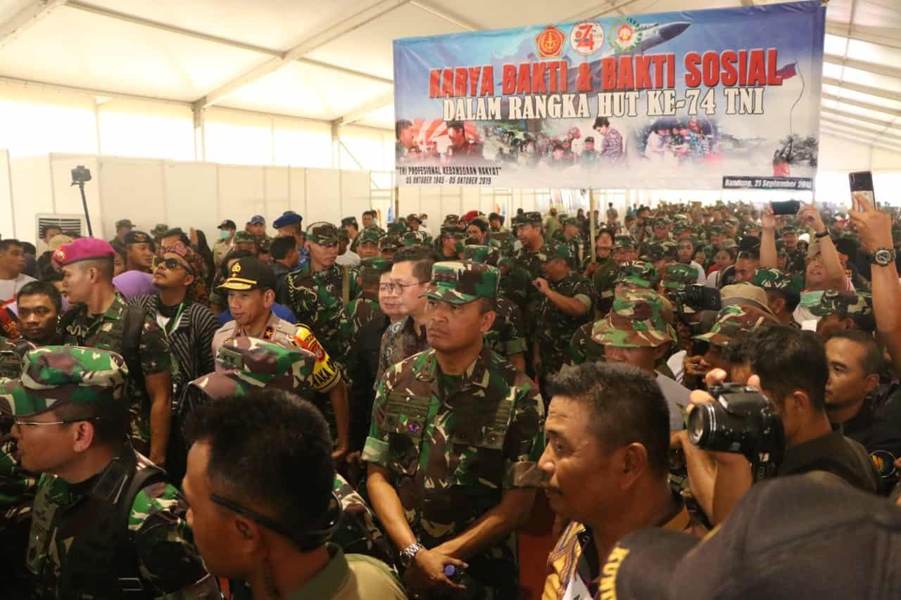 Dankoharmatau Ikut Mendampingi Panglima TNI Dalam Rangka Kampanya Citarum-Harum