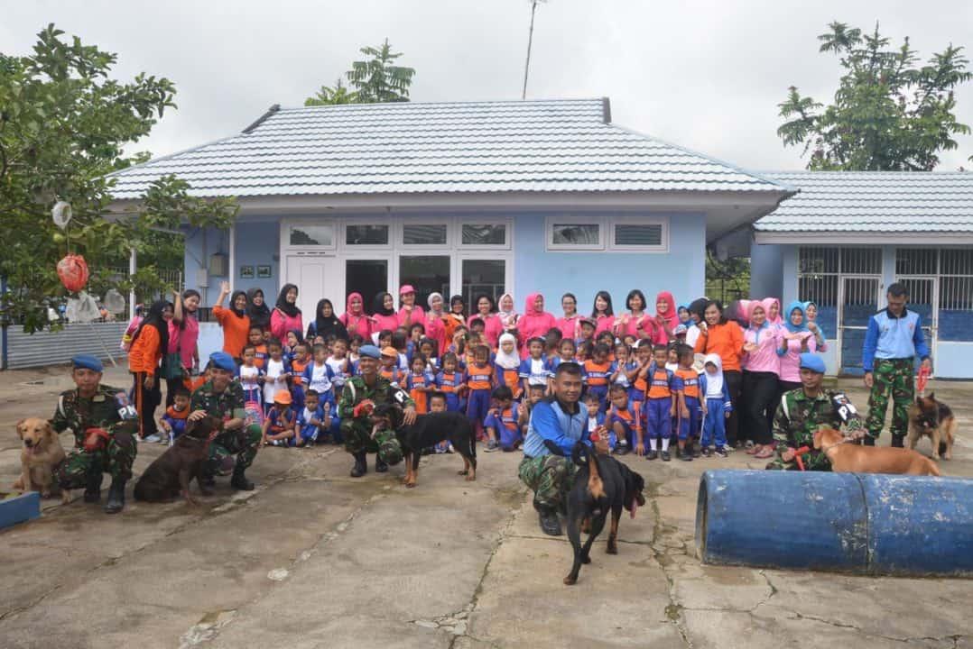 TK Angkasa Lanud Supadio Kunjungi Markas Unit Satuan Hewan K-9