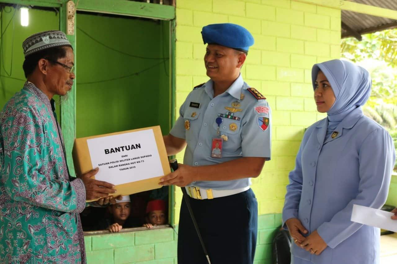 Keluarga Besar Satpomau Lanud Supadio Kunjungi Panti Asuhan