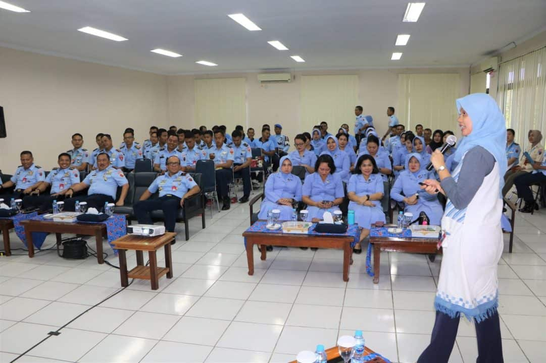 RSAU dr. Mohammad Sutomo Lanud Supadio Gelar Seminar Gizi Penerbangan