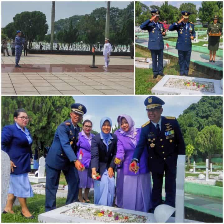 DANLANUD SOEWONDO MENGIKUTI ZIARAH NASIONAL DALAM RANGKA HUT KE-74 TNI DI TMP BUKIT BARISAN MEDAN