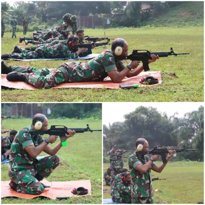 Pertajam Kemampuan Menembak, Prajurit Lanud Soewondo Laksanakan Latihan Rutin Nembak