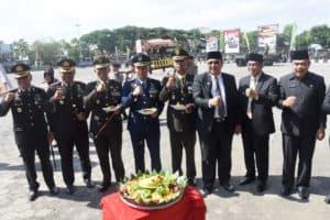 TNI HARUS BAHU-MEMBAHU DAN BERSINERGI DENGAN BERBAGAI KOMPONEN BANGSA LAIN
