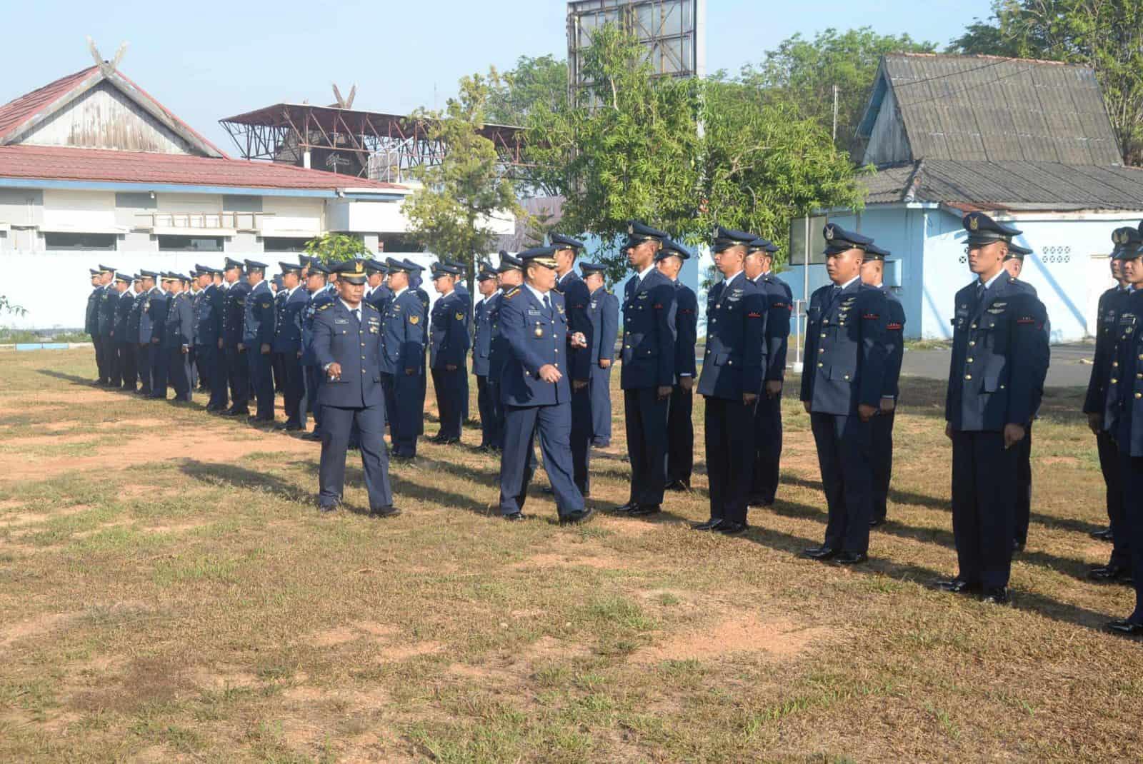 Upacara Dalam Rangka Memperingati HUT TNI ke-74 di Lanud Sjamsudin Noor