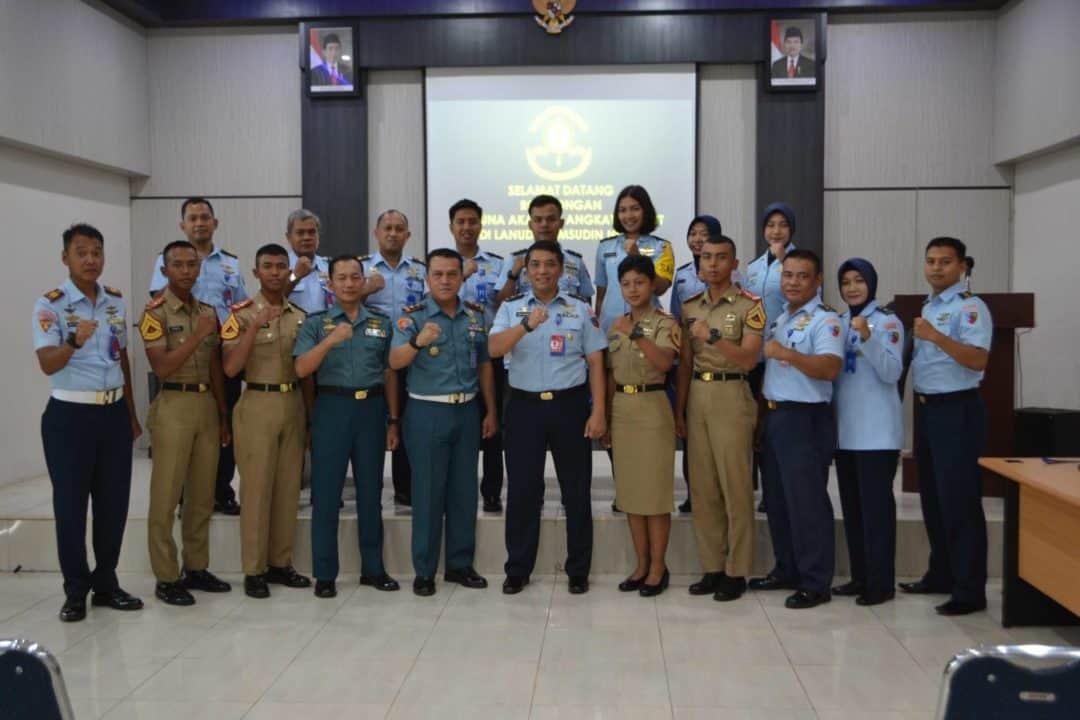 Komandan Lanud Sjamsudin Noor Terima Kunjungan Kadet AAL