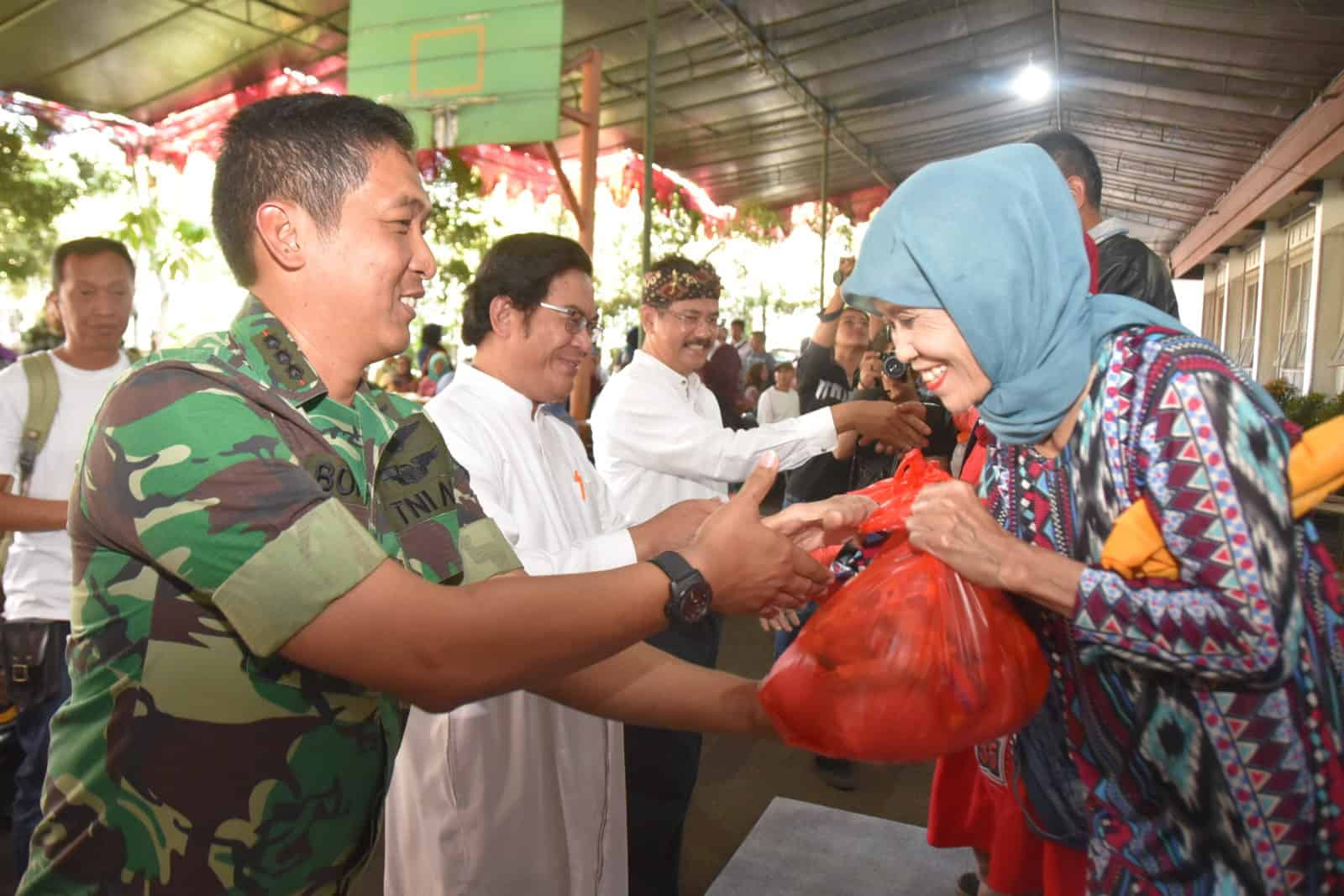 """Baksos Bersama Lanud Husein dan Keuskupan Bandung """"Ribuan Pasien Dapatkan Pelayanan Gratis"""""""