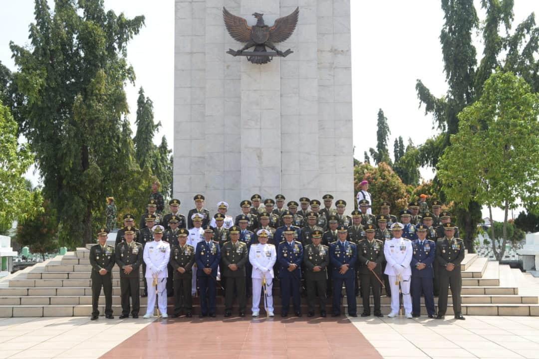 Ziarah Nasional di TMP Bukit Barisan Medan Dalam Rangka HUT Ke-74 TNI