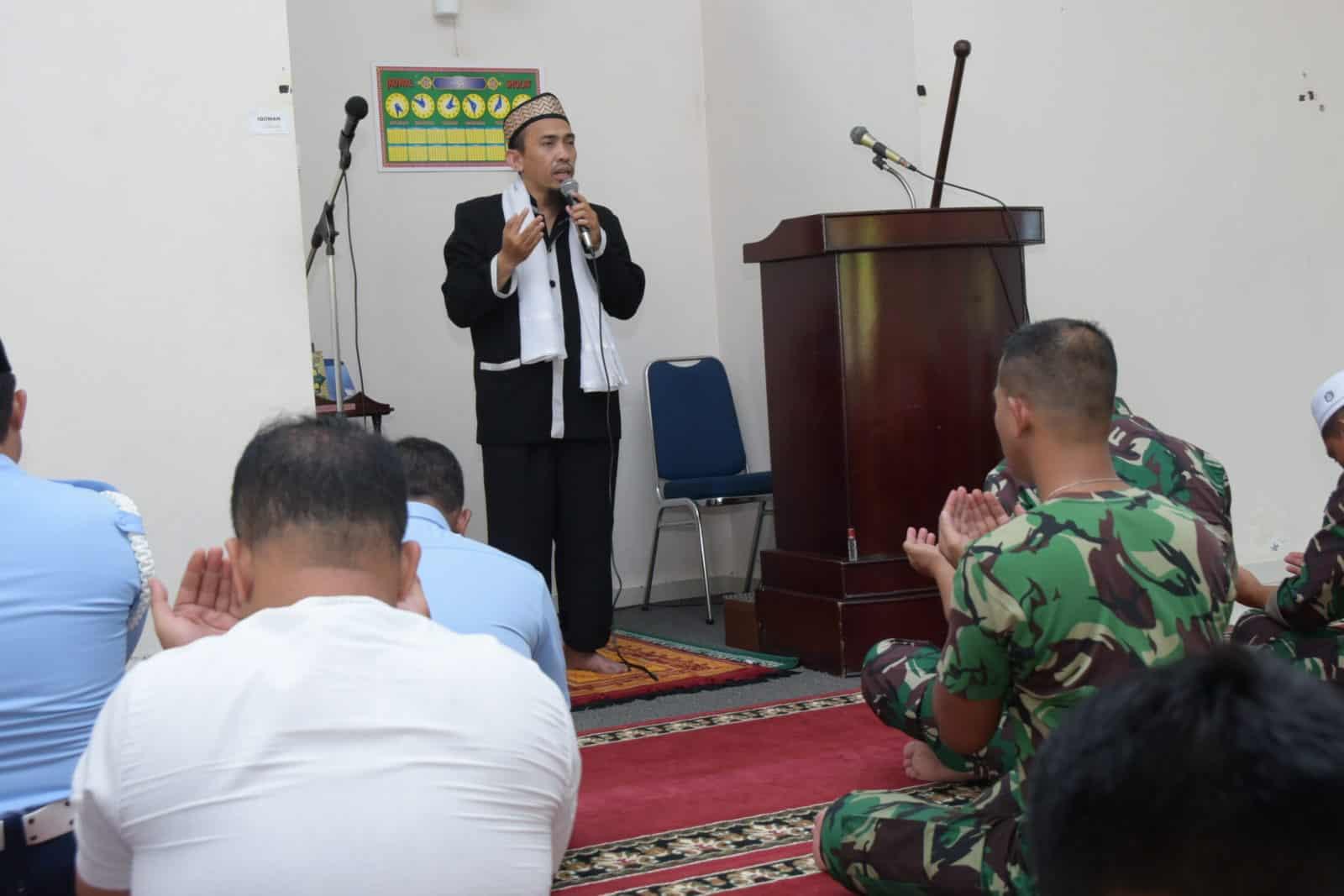 Jelang Pelantikan Presiden dan Wakil Presiden Periode 2019-2024, Lanud RHF Gelar Doa Bersama
