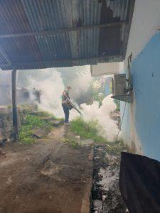 Dalam Upaya Pencegahan Penularan Penyakit Demam Berdarah, Lanud Maimun Saleh Melaksanakan Fogging
