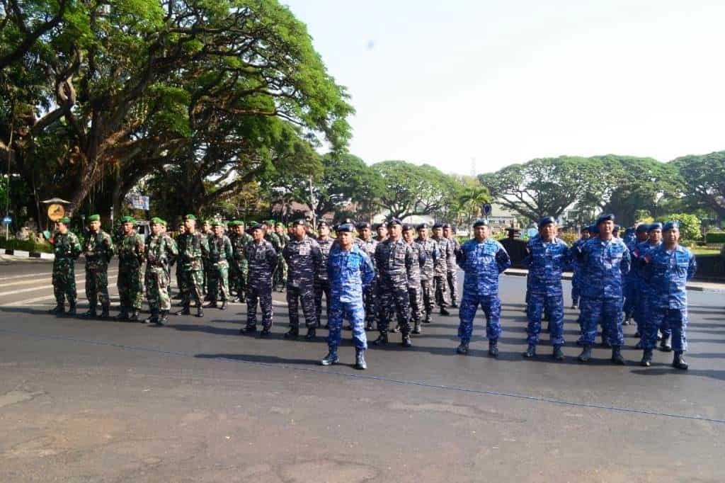 Satu SST Personel Lanud Abd Saleh Ikuti Upacara HUT ke-74 Provinsi Jawa Timur Tingkat Kota Malang