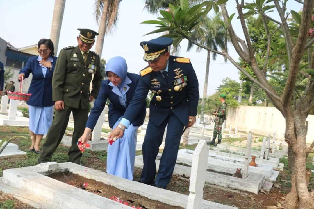 Danlanud Ats Pimpin Ziarah Nasional HUT Ke-74 TNI Di TMP Dreded Bogor