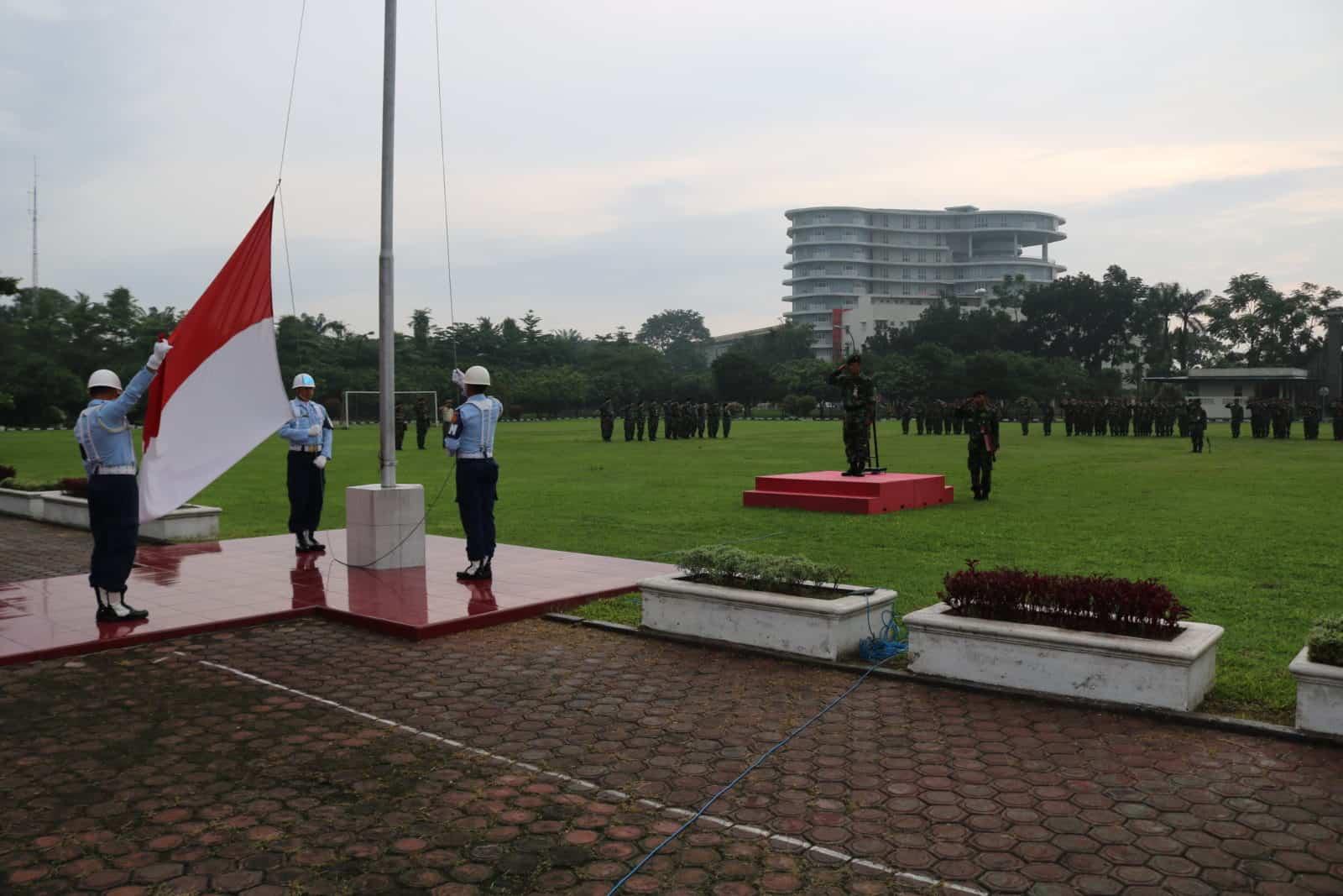 Kosekhanudnas III Melaksanakan Upacara Bendera Mingguan