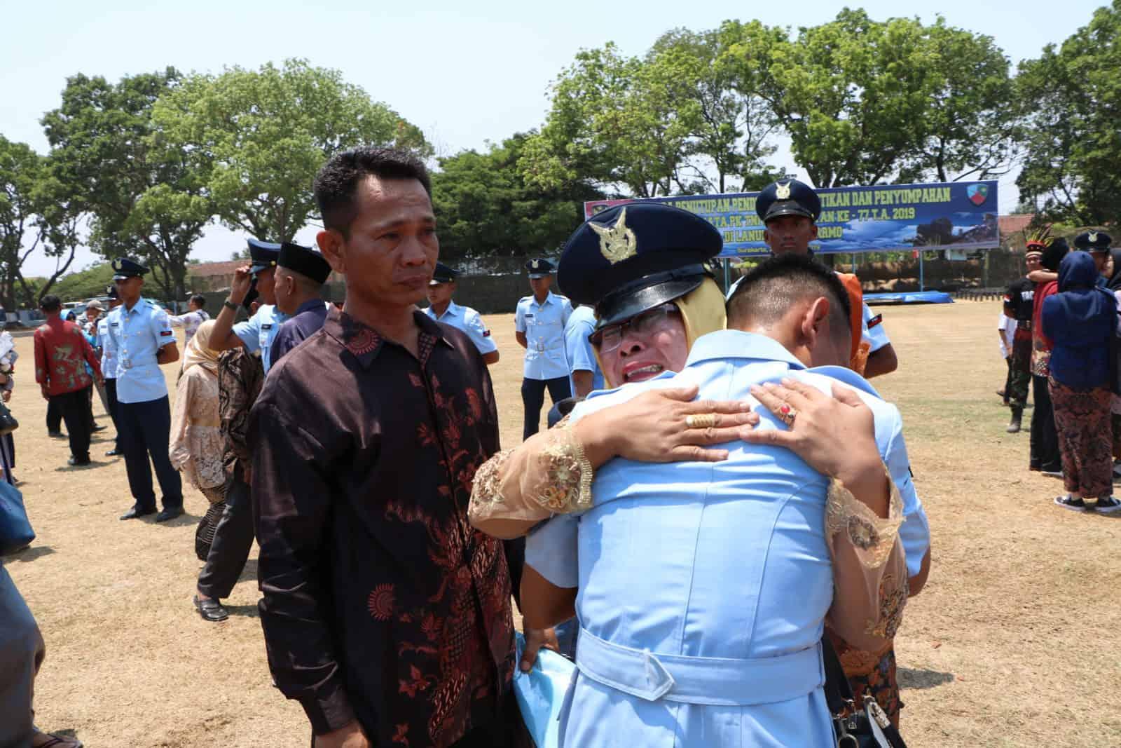 Dankodiklatau Lantik 406 Prajurit Tamtama Baru TNI AU