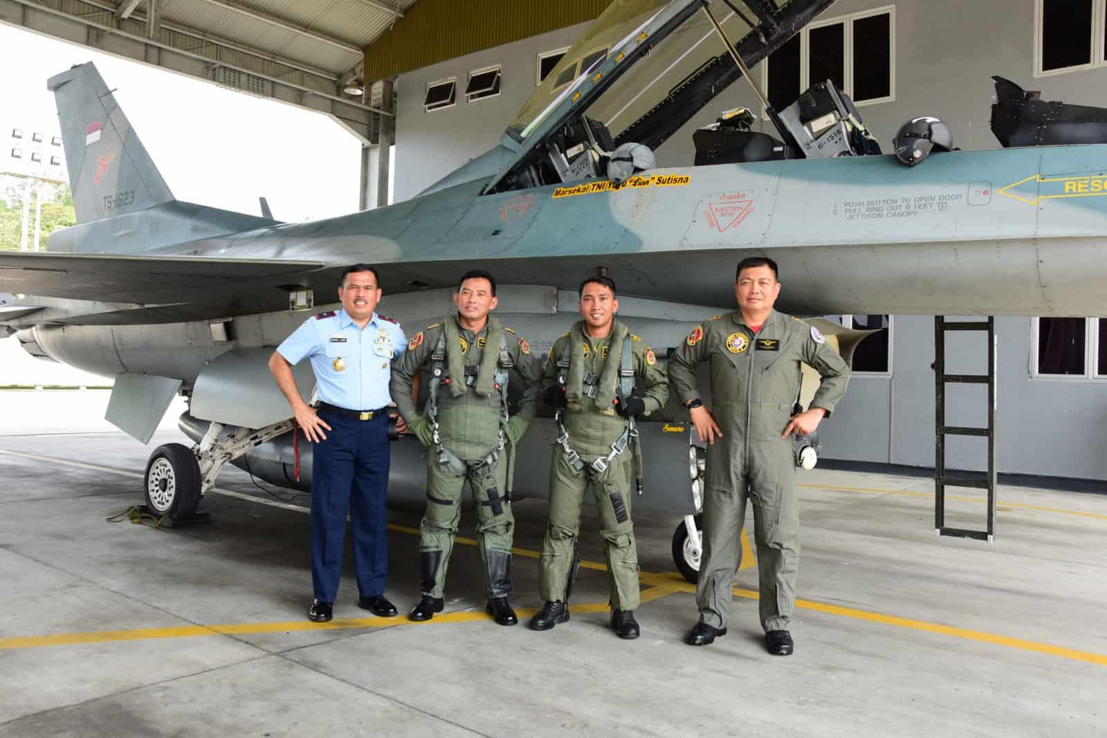 Kasau Terbang Menggunakan F-16 di Bumi Lancang Kuning