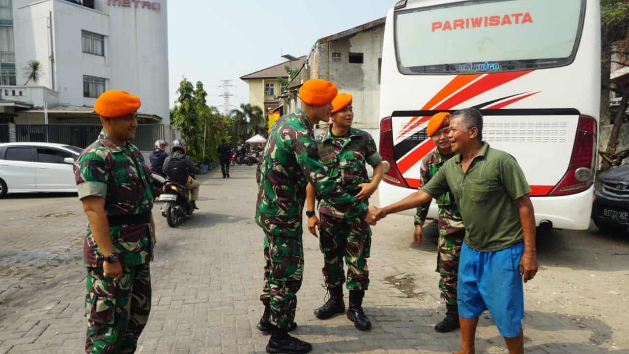 Pasca Kerusuhan, Satgas PAM Yonko 462 Paskhas Laksanakan Komsos Dengan Masyarakat