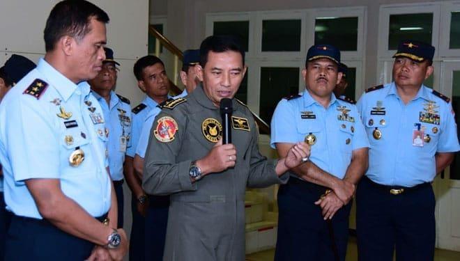 Kasau Puji Keberhasilan Prajurit Perbaiki Simulator Hawk 209