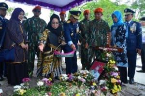 Dankorpaskhas Pimpin Upacara Pemakaman Serma (Purn) Imanuel Nuhan