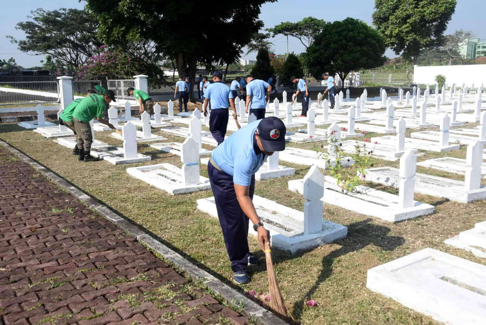 KARYA BAKTI MEMPERINGATI HARI PAHLAWAN 10 NOVEMBER 2019