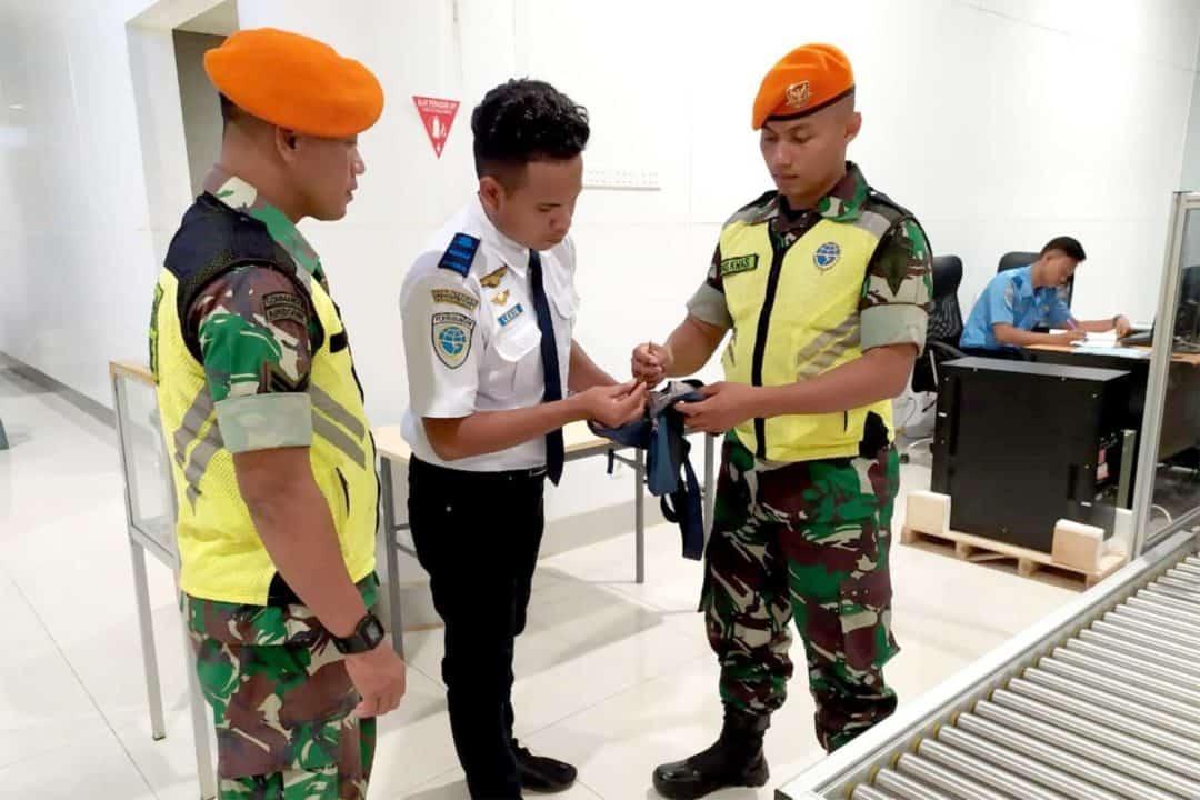 Satgas Pamrahwan Yonko 462 Paskhas Gagalkan Pergerakan Munisi Tajam Di Bandara Merauke